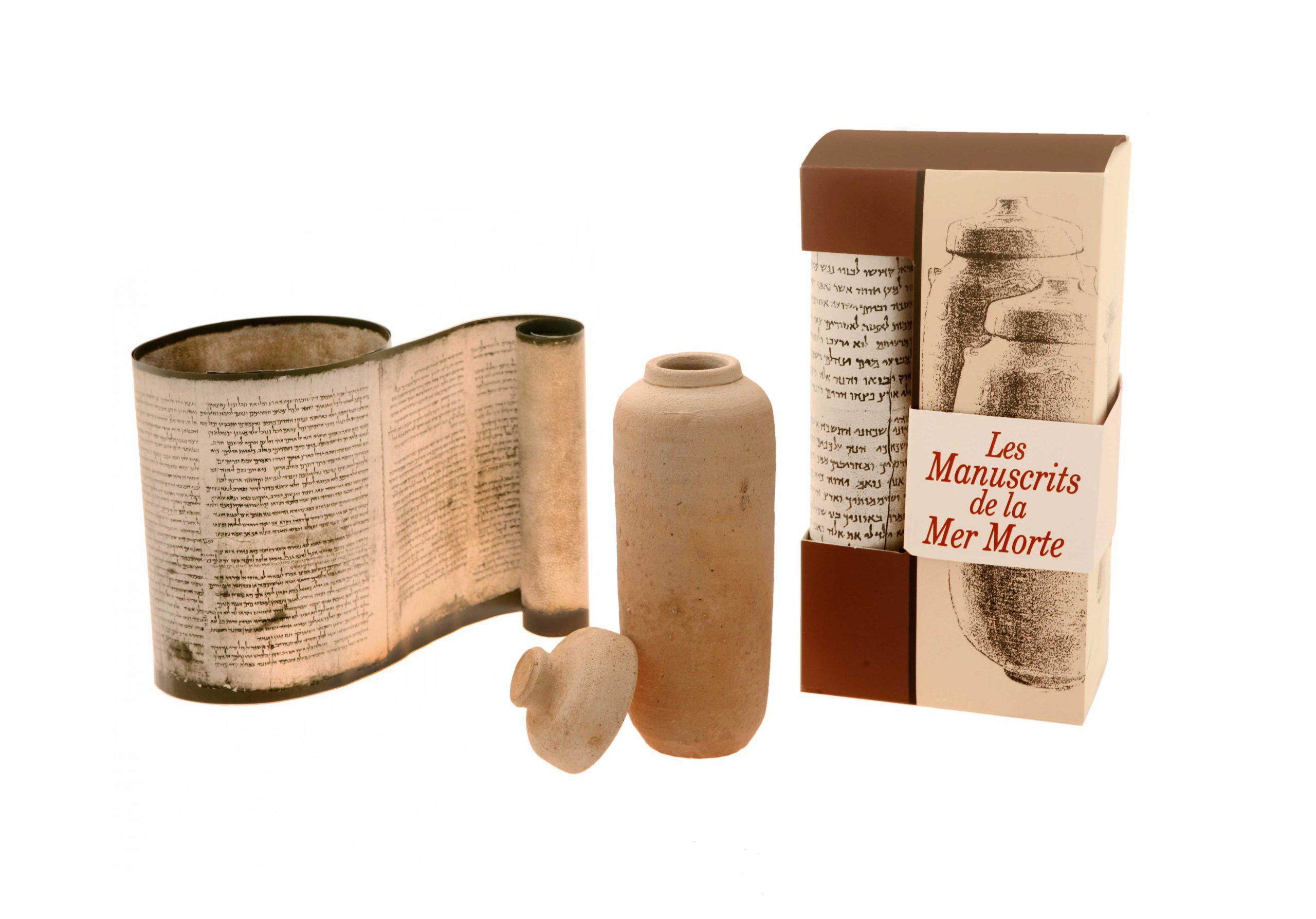 Replica Of The Dead Sea Scrolls – French