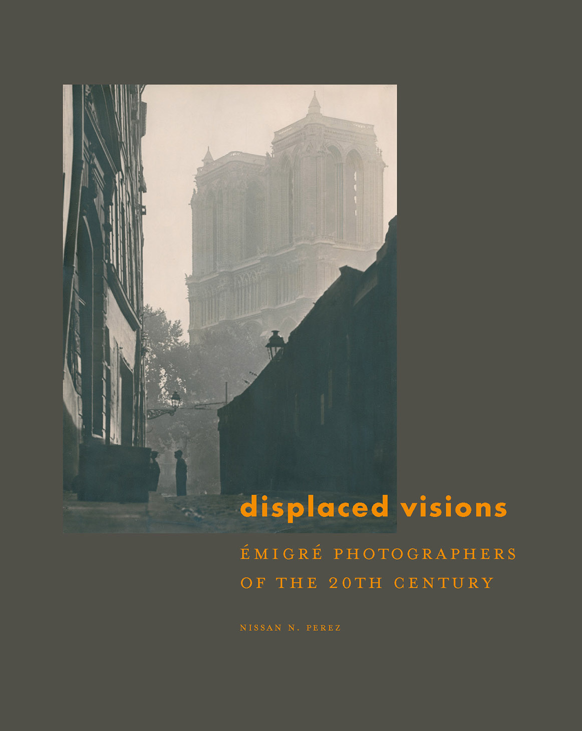 Displaced Visions: Émigré Photographers Of The 20th Century